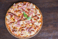 pizza-con-jamon-tocino-
